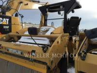CATERPILLAR TAMBOR DOBLE VIBRATORIO ASFALTO CB64 equipment  photo 3