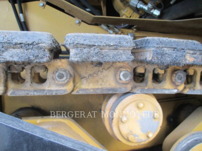 CATERPILLAR ASPHALT PAVERS AP-655D equipment  photo 10