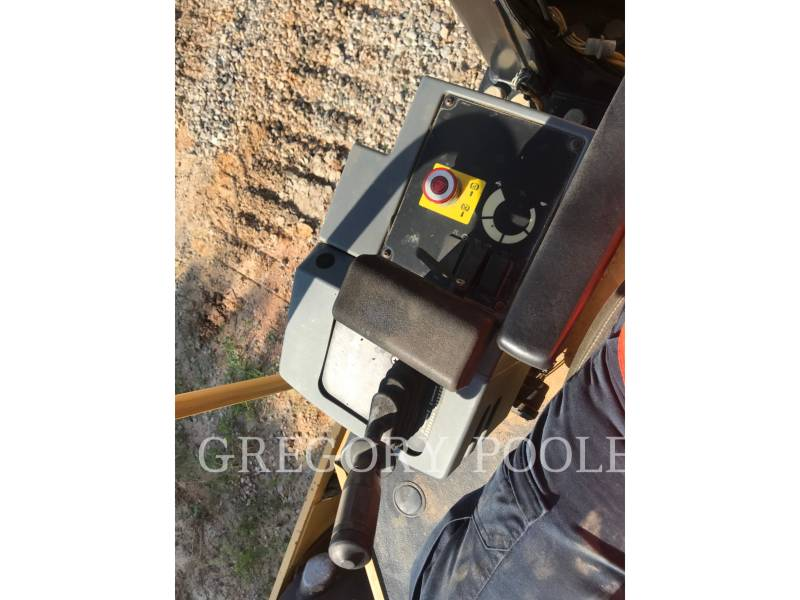 CATERPILLAR VIBRATORY SINGLE DRUM PAD CP44 equipment  photo 19