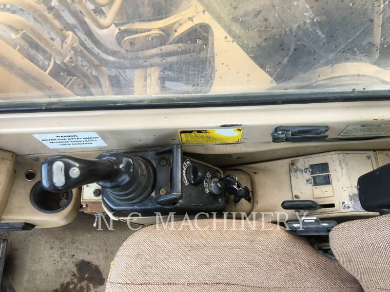 CATERPILLAR TRACK EXCAVATORS 320L equipment  photo 10