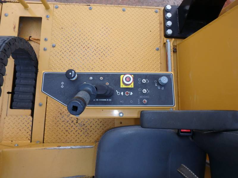 CATERPILLAR PNEUMATIC TIRED COMPACTORS PS-360C equipment  photo 11