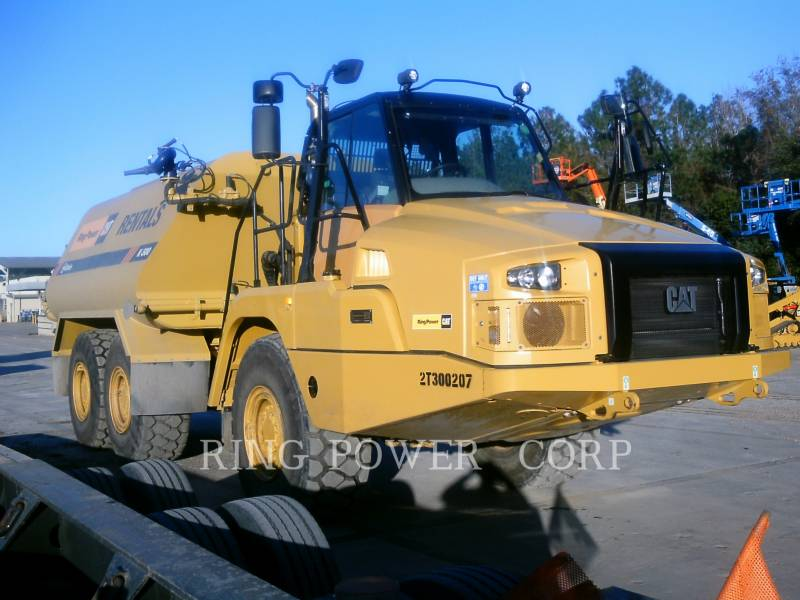 CATERPILLAR CAMIONS CITERNE A EAU 725C2WW equipment  photo 2