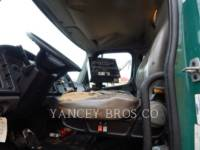 FREIGHTLINER ON HIGHWAY TRUCKS M2106 equipment  photo 6