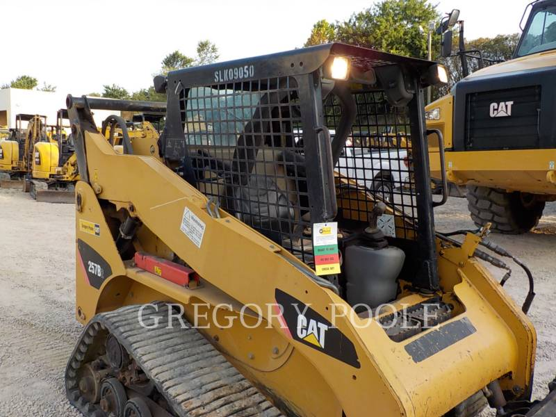 CATERPILLAR CARGADORES MULTITERRENO 257B equipment  photo 4