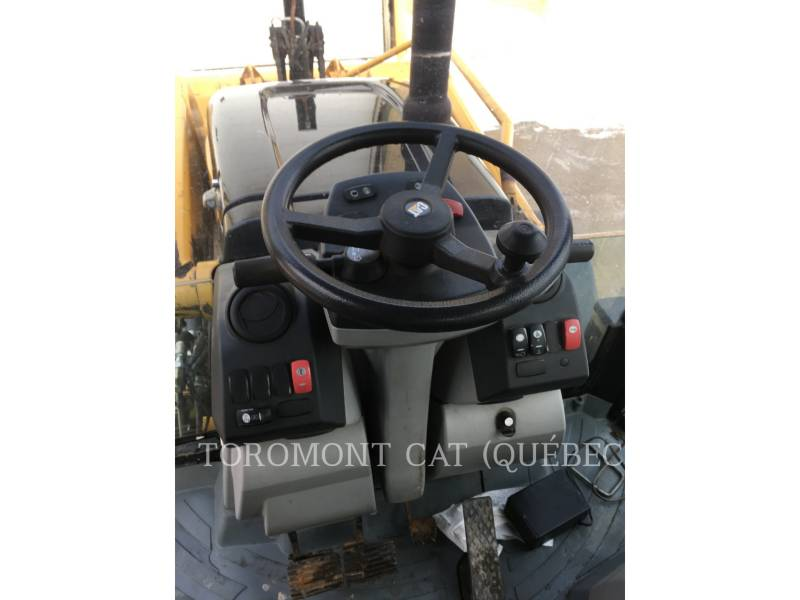 CATERPILLAR CHARGEUSES-PELLETEUSES 450E equipment  photo 16