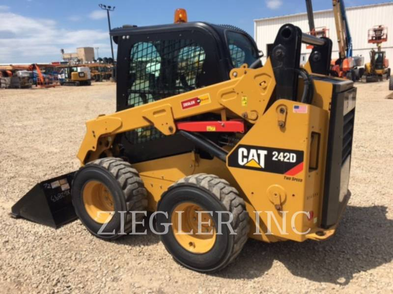 CATERPILLAR MINICARGADORAS 242DSR equipment  photo 5