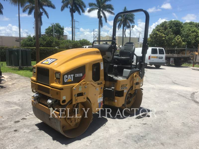 CATERPILLAR COMPACTEURS TANDEMS VIBRANTS CB 22 B equipment  photo 1