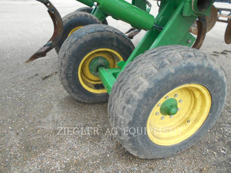 DEERE & CO. AG TILLAGE EQUIPMENT 2720 equipment  photo 11