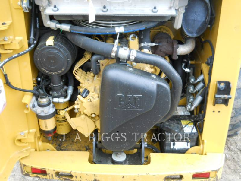 CATERPILLAR MINICARGADORAS 226B equipment  photo 18