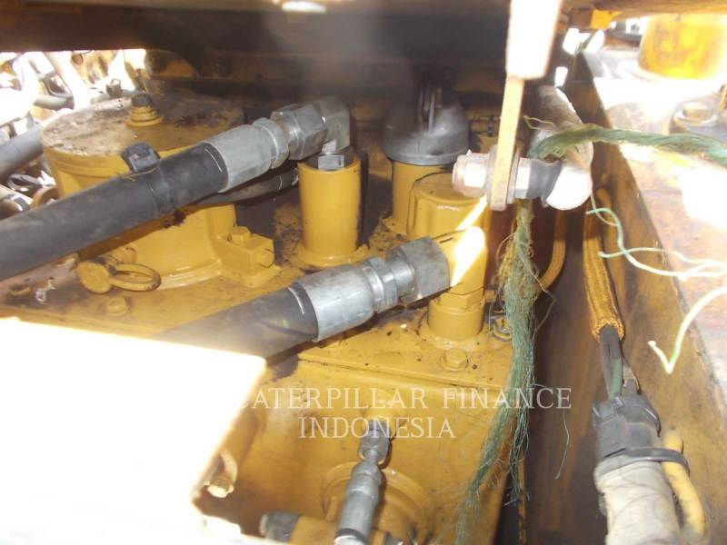 CATERPILLAR CAMIONES ARTICULADOS 740 equipment  photo 18