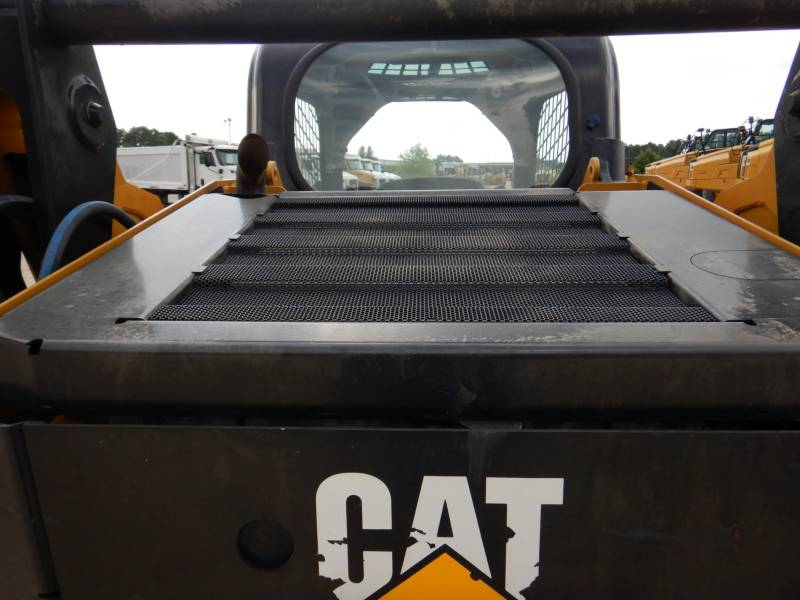 CATERPILLAR PALE COMPATTE SKID STEER 242D equipment  photo 23