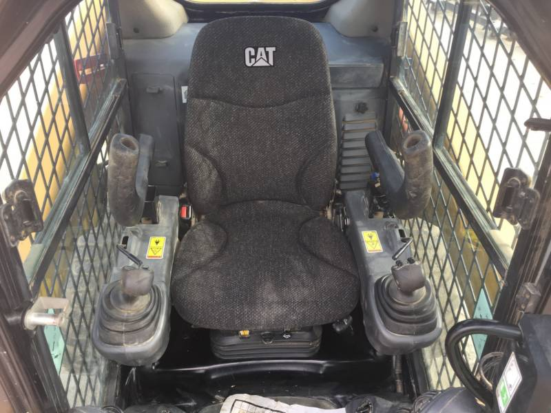 CATERPILLAR MINICARGADORAS 242D equipment  photo 20