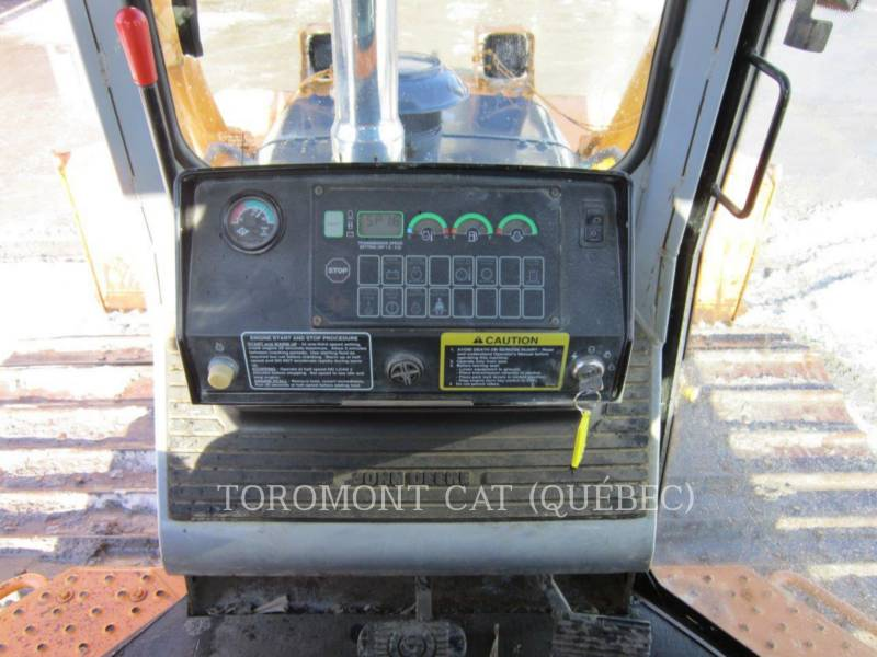 JOHN DEERE TRACTEURS SUR CHAINES 750CL equipment  photo 8
