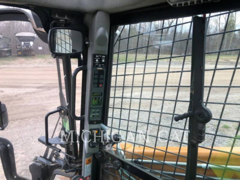 CASE KOMPAKTLADER SV280 equipment  photo 21
