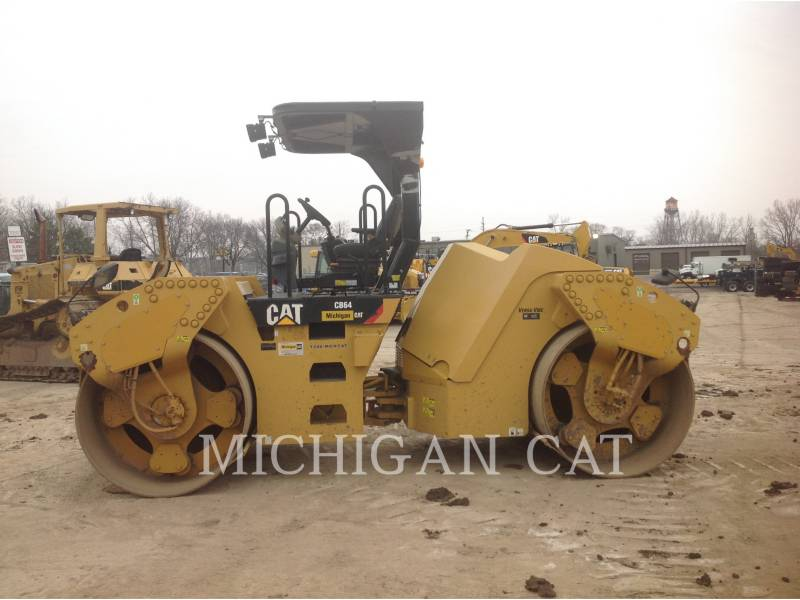 CATERPILLAR COMPATTATORE PER ASFALTO A DOPPIO TAMBURO VIBRANTE CB64 equipment  photo 7