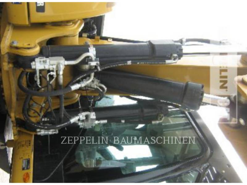 CATERPILLAR PELLES SUR PNEUS M322D equipment  photo 21