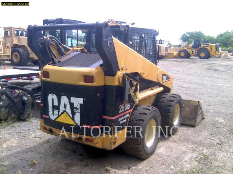 CATERPILLAR KOMPAKTLADER 268B equipment  photo 4