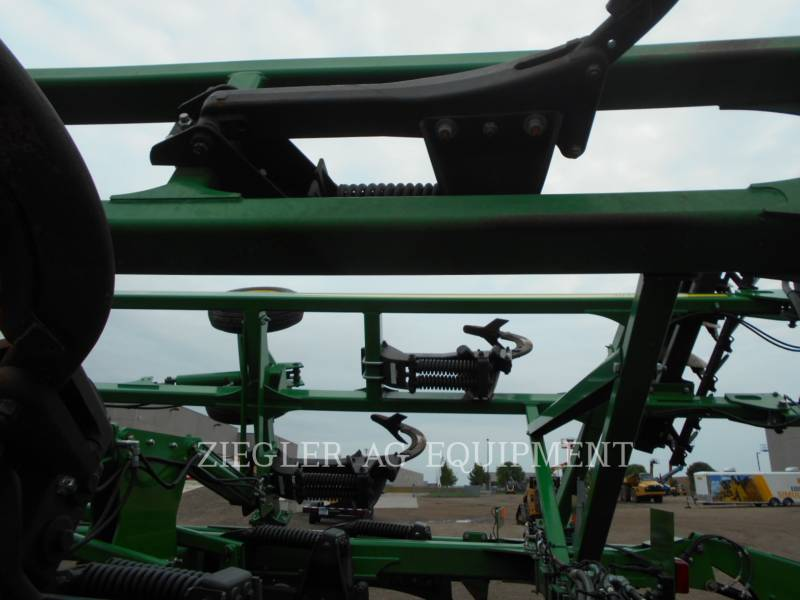 DEERE & CO. AG TILLAGE EQUIPMENT 2720 equipment  photo 8