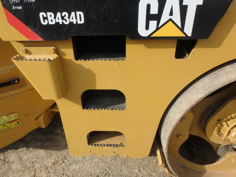CATERPILLAR TANDEMOWY WALEC WIBRACYJNY DO ASFALTU (STAL-STAL) CB-434D equipment  photo 22