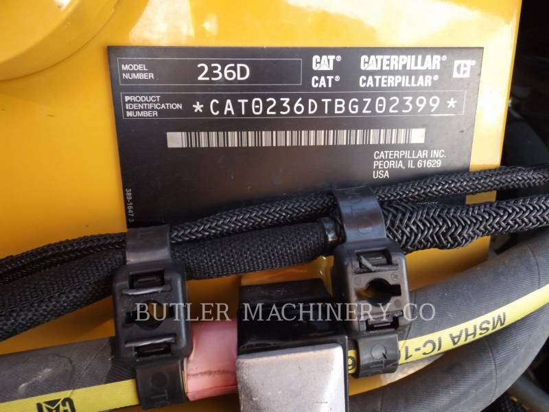 CATERPILLAR KOMPAKTLADER 236D equipment  photo 7