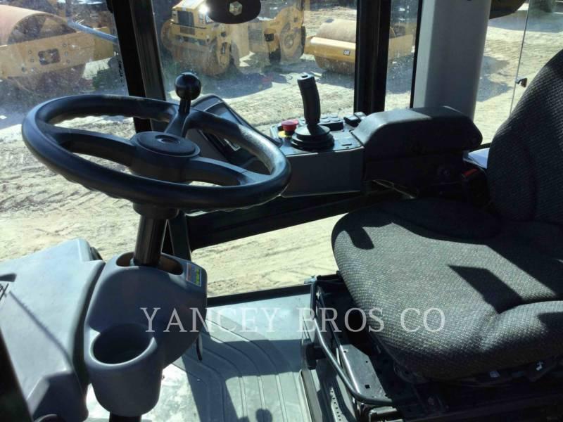 CATERPILLAR VIBRATORY SINGLE DRUM SMOOTH CS56B equipment  photo 11