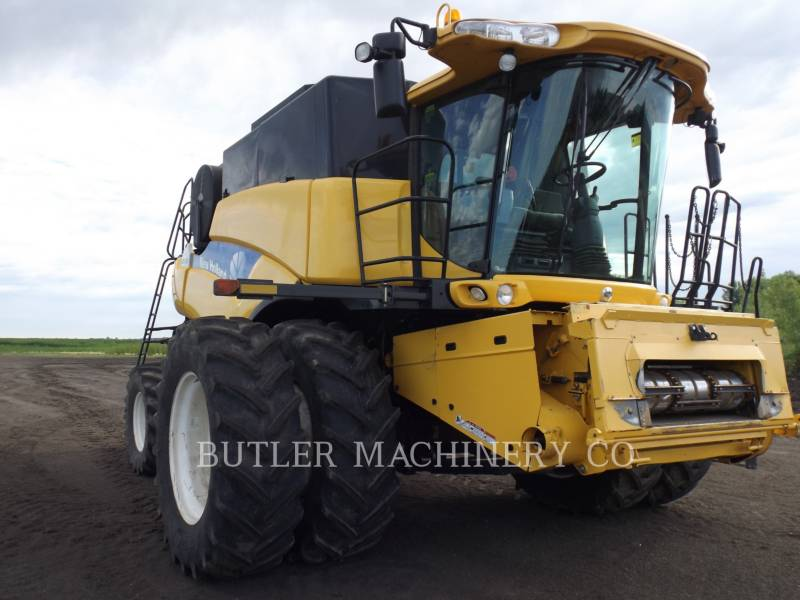 NEW HOLLAND COMBINADOS CR9080 equipment  photo 2