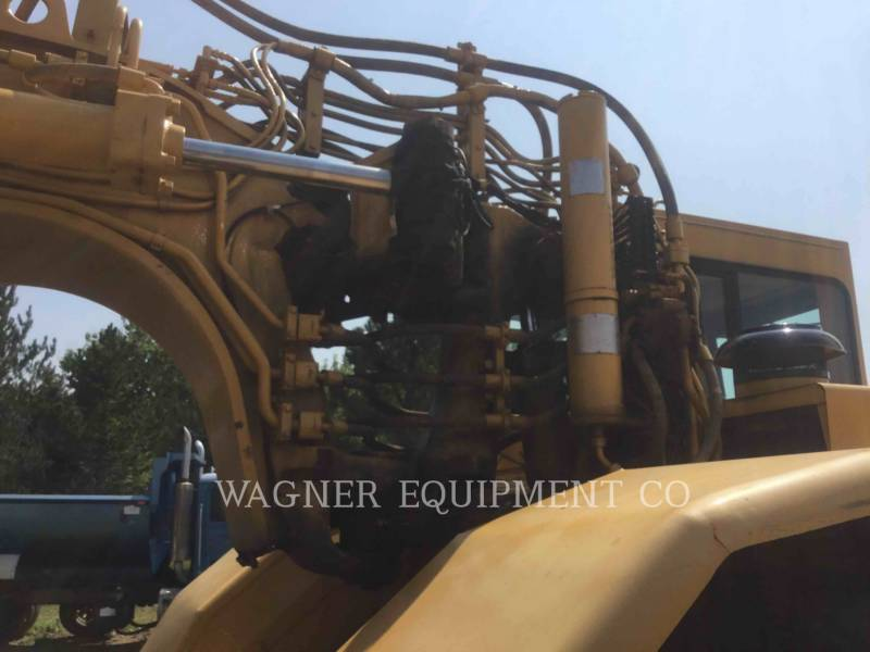 CATERPILLAR TRACTORSCHRAPERS OP WIELEN 621F equipment  photo 9