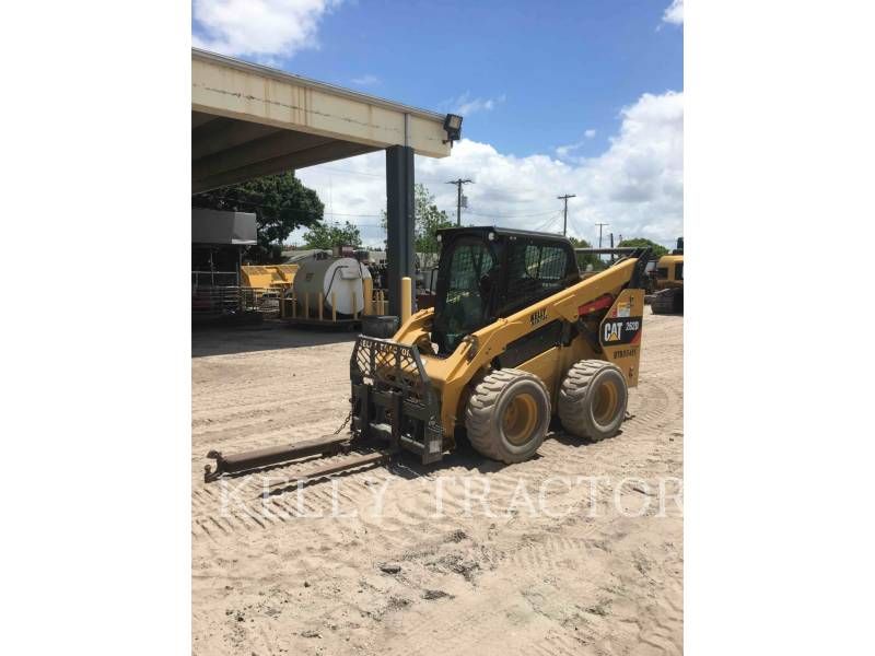 CATERPILLAR KOMPAKTLADER 262D equipment  photo 8