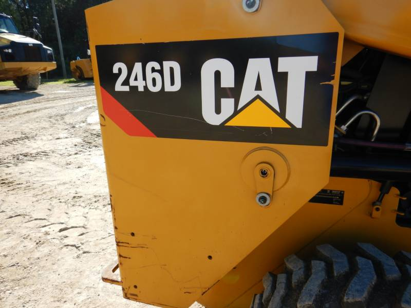 CATERPILLAR CHARGEURS COMPACTS RIGIDES 246D equipment  photo 21