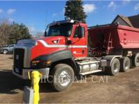 Equipment photo CATERPILLAR CT660 TS15M18 CAMIONS ROUTIERS 1