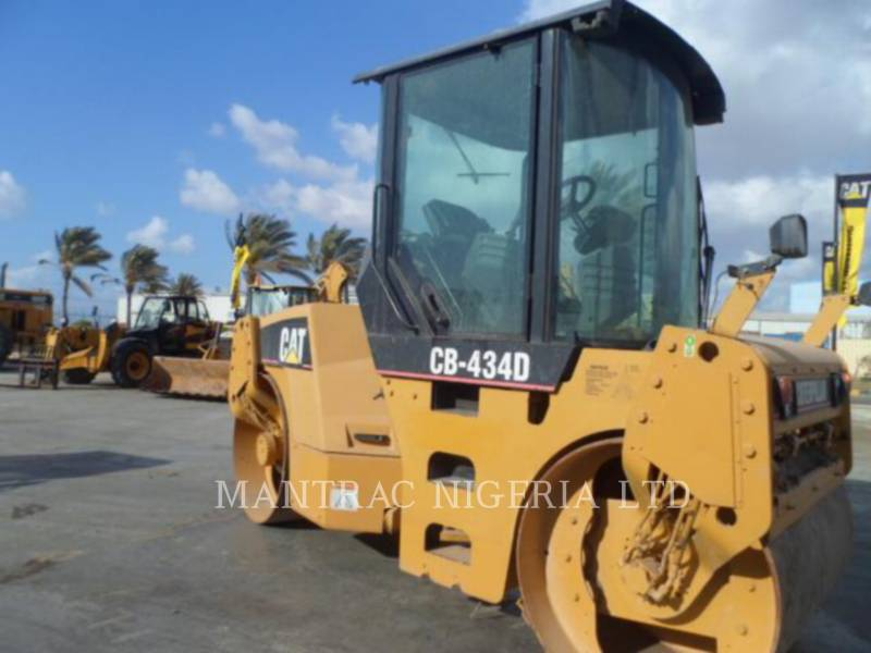 CATERPILLAR TAMBOR DOBLE VIBRATORIO ASFALTO CB-434D equipment  photo 10