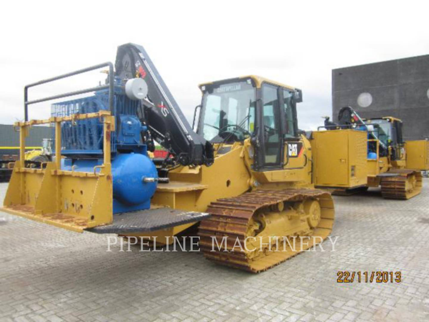 Detail photo of 2010 Caterpillar 953D from Construction Equipment Guide