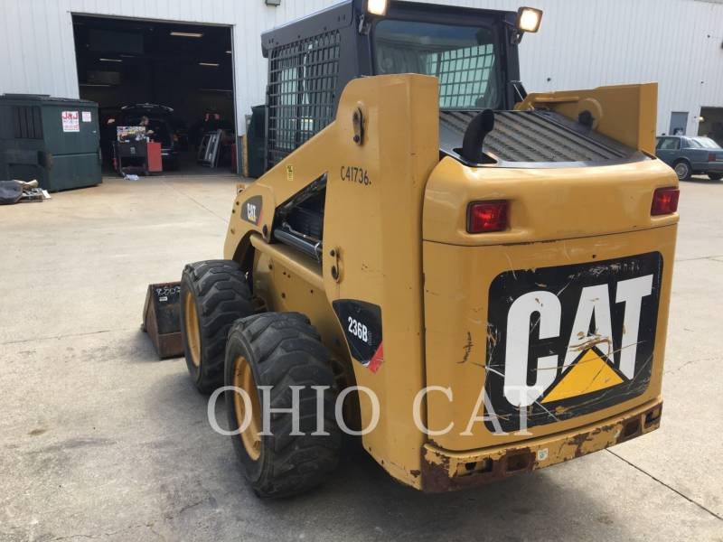 CATERPILLAR MINICARGADORAS 236B3 equipment  photo 8