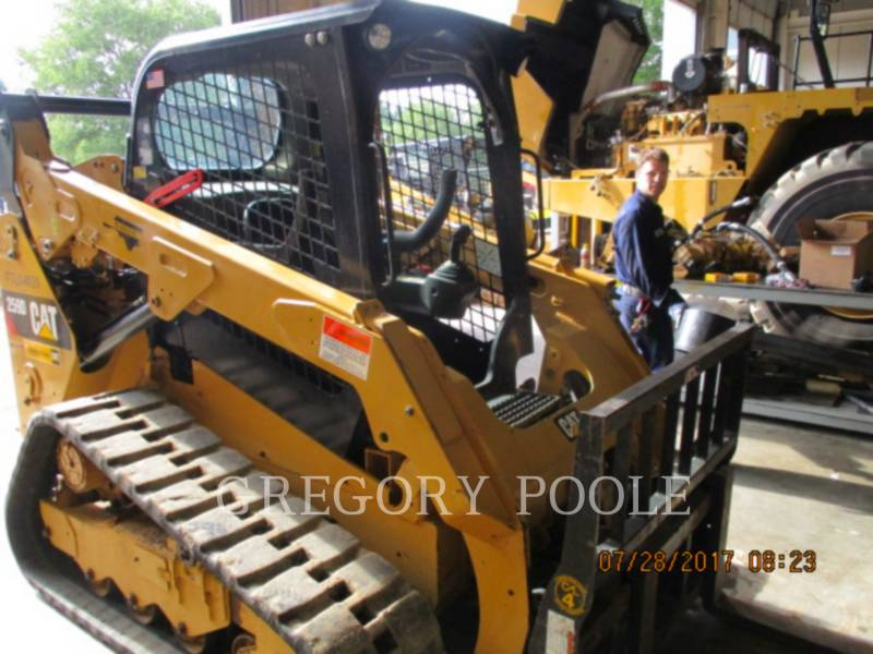 CATERPILLAR MULTI TERRAIN LOADERS 259D equipment  photo 2