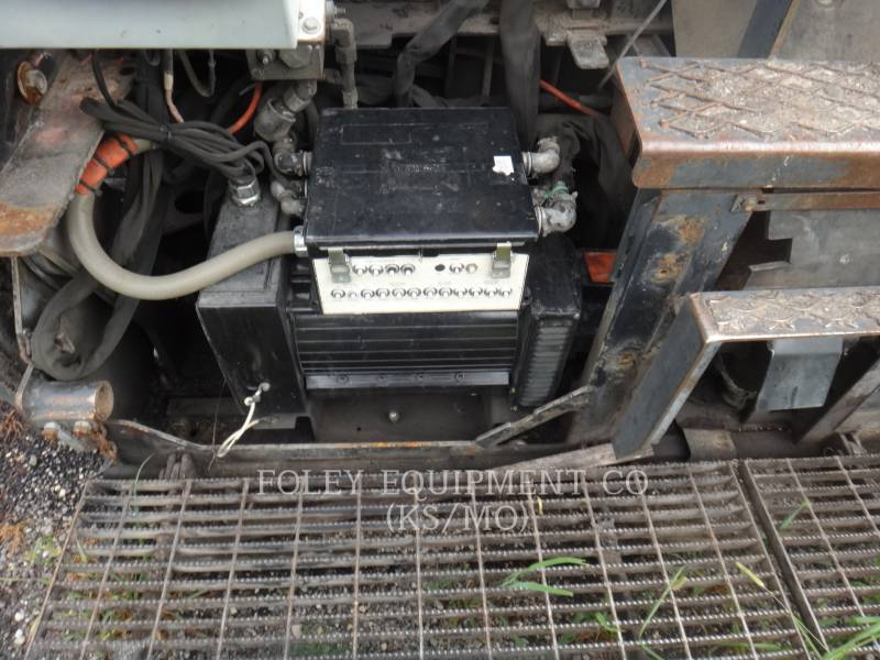 CATERPILLAR ASPHALT PAVERS AP-655C equipment  photo 10