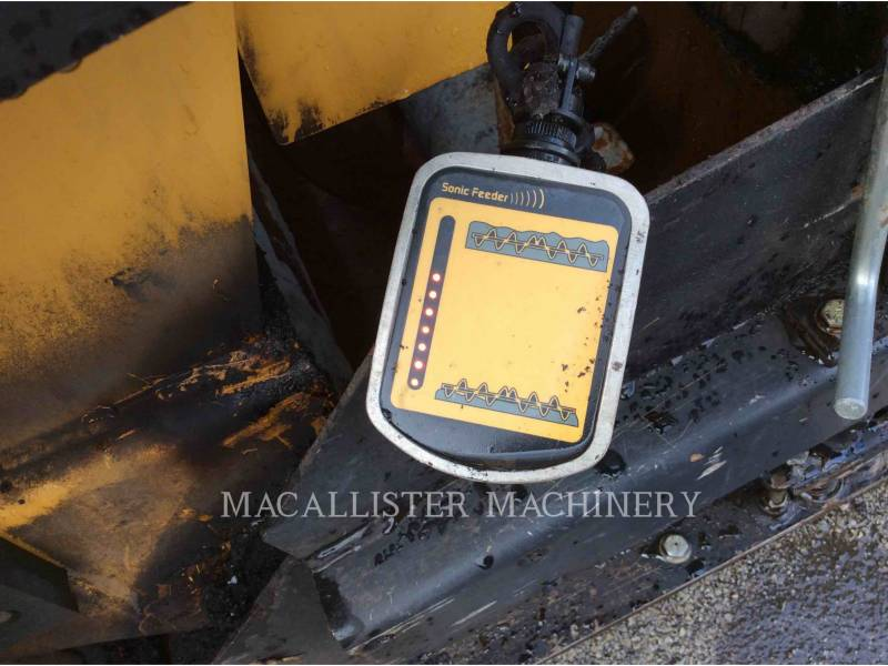 WEILER ASPHALT PAVERS P385 equipment  photo 10