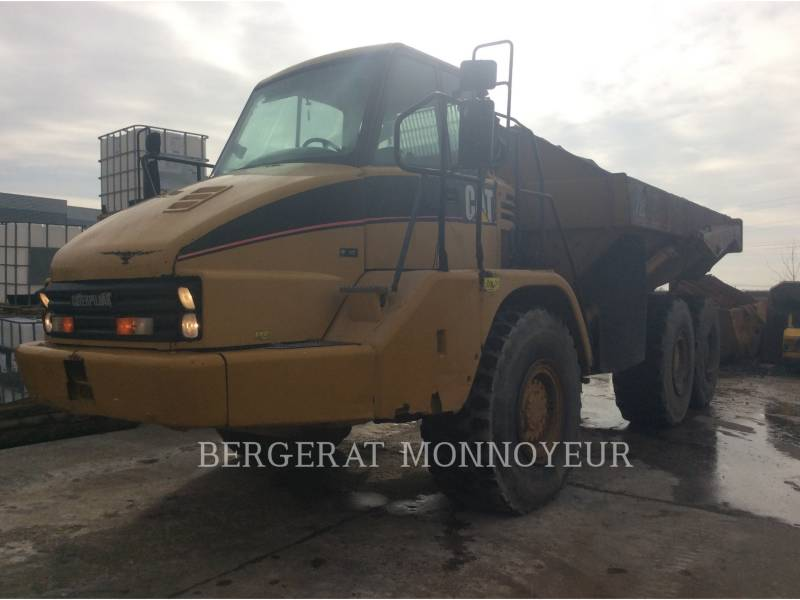 CATERPILLAR ARTICULATED TRUCKS 725 equipment  photo 2