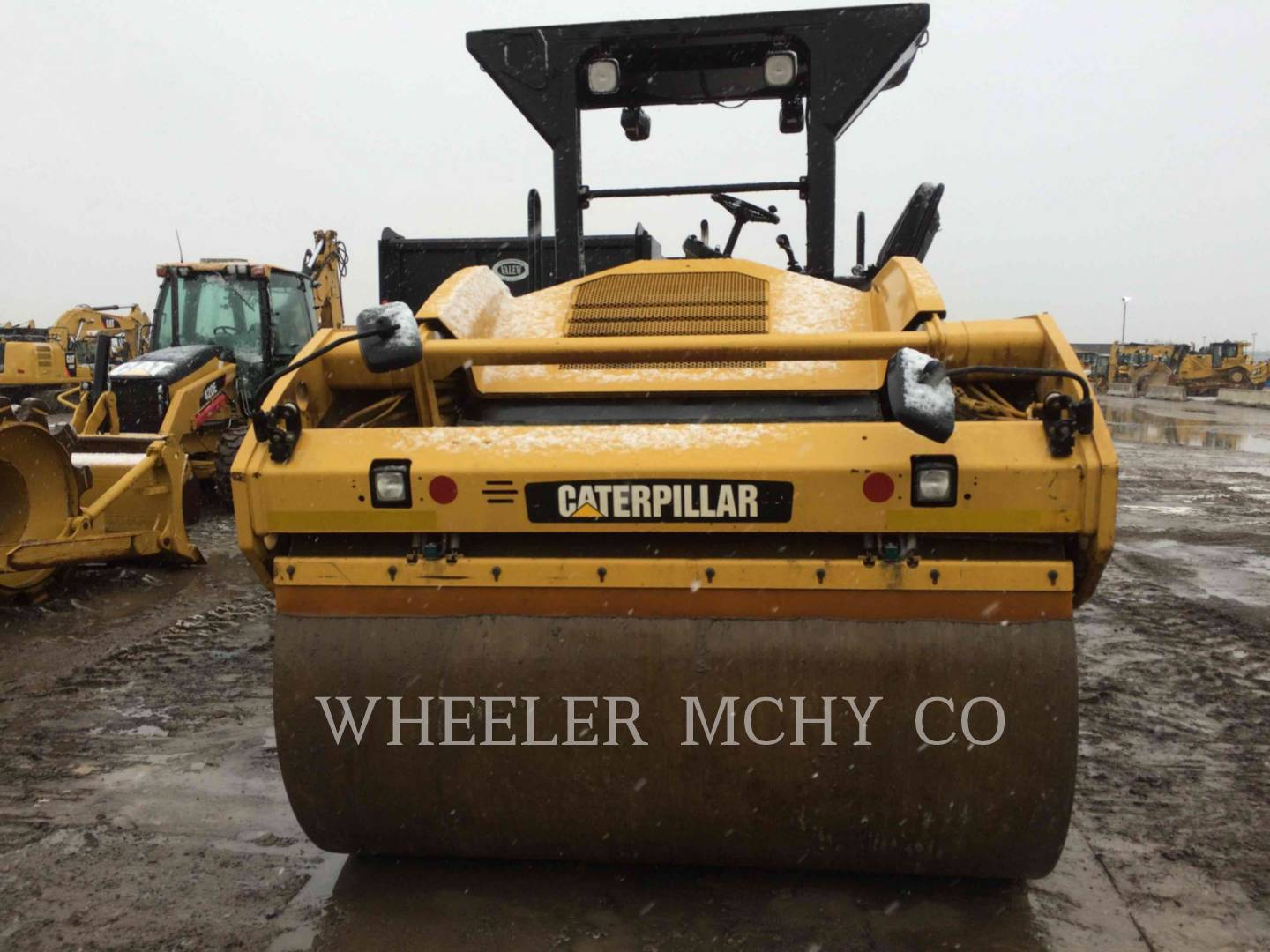 Detail photo of 2010 Caterpillar CB64 from Construction Equipment Guide
