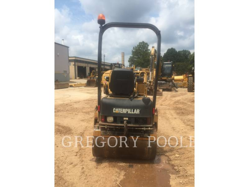 CATERPILLAR VIBRATORY DOUBLE DRUM ASPHALT CB-224E equipment  photo 3
