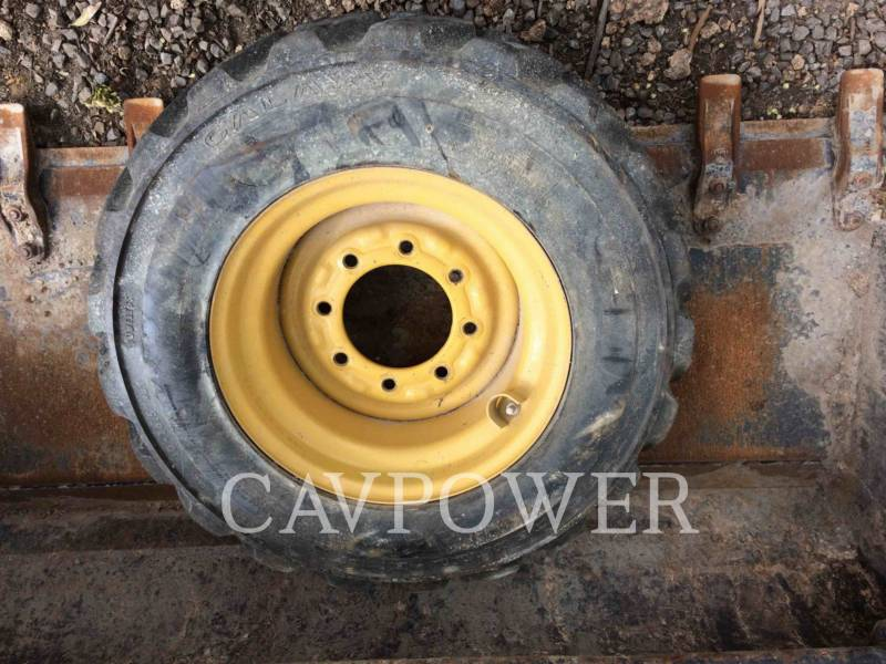 CATERPILLAR KOMPAKTLADER 216B2 equipment  photo 16