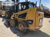 Equipment photo CATERPILLAR 216B CHARGEURS COMPACTS RIGIDES 1