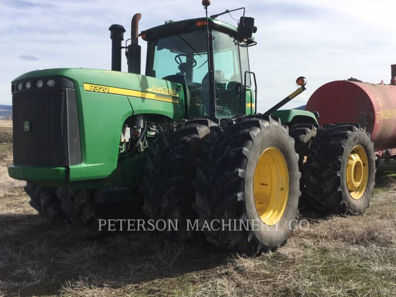 DEERE & CO. TRACTEURS AGRICOLES JD9320 equipment  photo 1