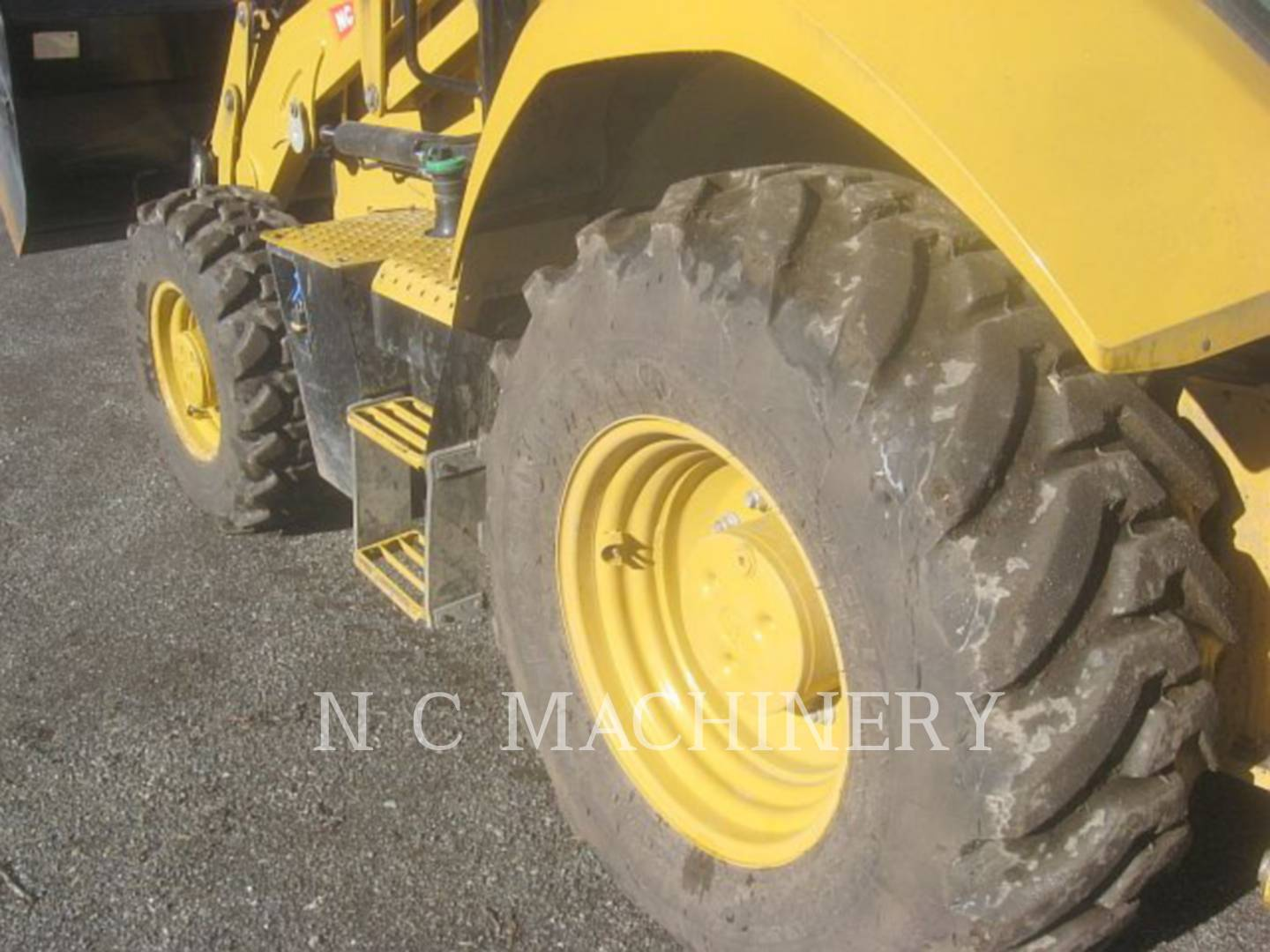Detail photo of 2015 Caterpillar 420F from Construction Equipment Guide