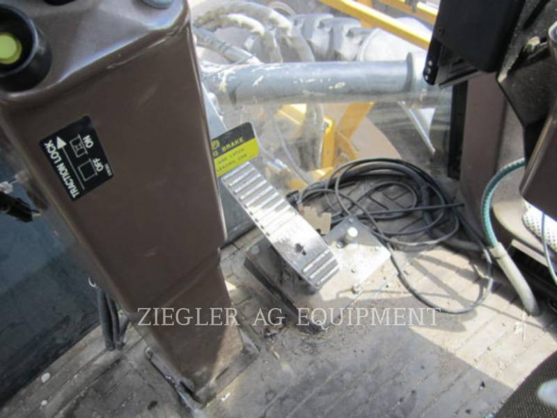 AG-CHEM SPRAYER 854 equipment  photo 9