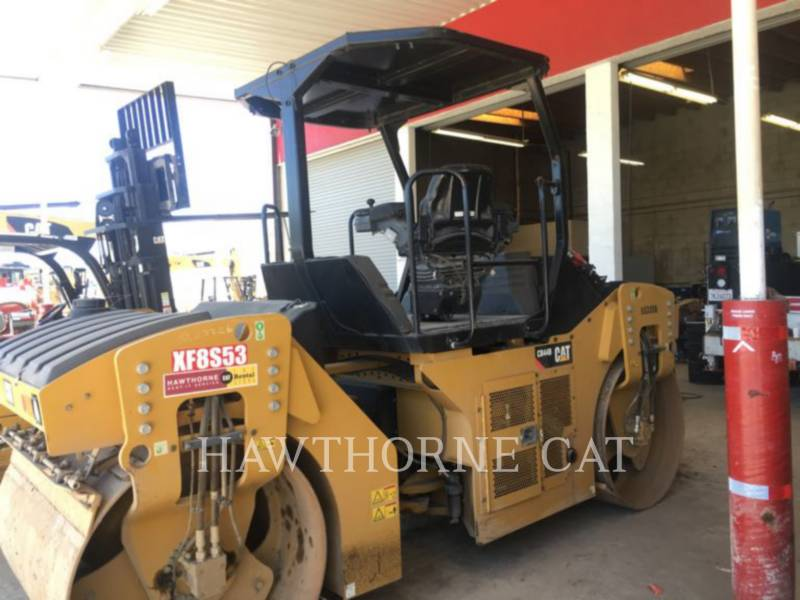 Caterpillar COMPACTOARE CB44B equipment  photo 2