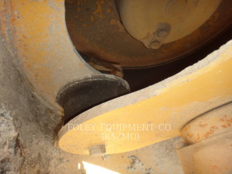 CATERPILLAR TAMBOR DOBLE VIBRATORIO ASFALTO CB-334D equipment  photo 19