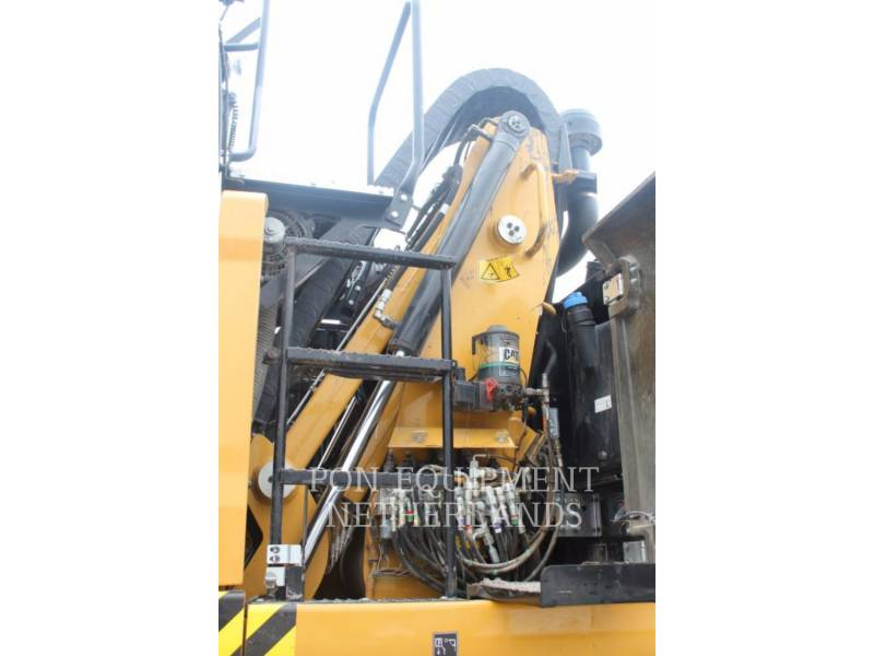 CATERPILLAR EXCAVADORAS DE RUEDAS MH3022 equipment  photo 8