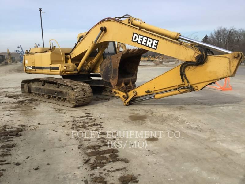 JOHN DEERE PELLES SUR CHAINES 200LC equipment  photo 1