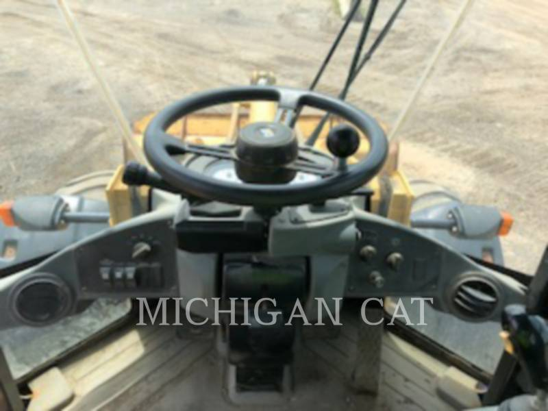 CATERPILLAR PALE GOMMATE/PALE GOMMATE MULTIUSO 924GZ equipment  photo 22