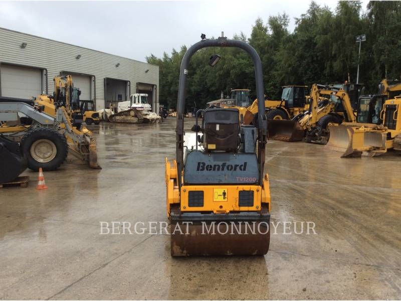 TEREX CORPORATION COMPACTADORES TV1200 equipment  photo 3